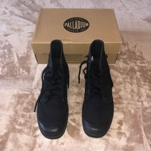Palladium Shoes - PALLADIUM CANVAS HI BOOTS